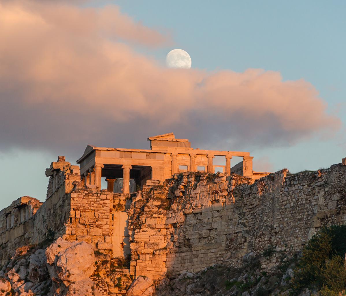 Картинки Греция Athenian Acropolis, Athens Луна Руины Вечер Города Облака Развалины