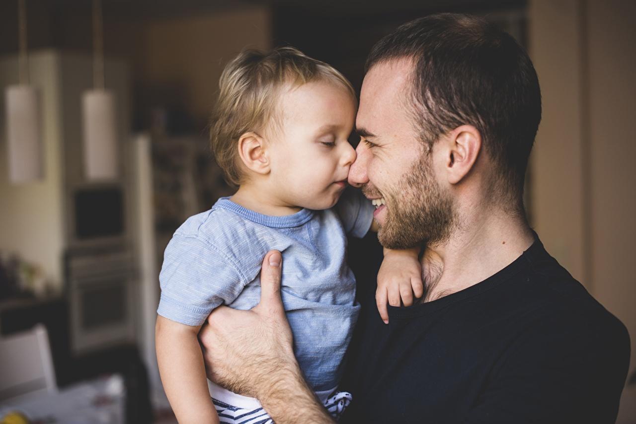 Фотография мальчишки Мужчины улыбается Дети бородой мальчик Мальчики мальчишка Улыбка Борода ребёнок бородатый бородатые