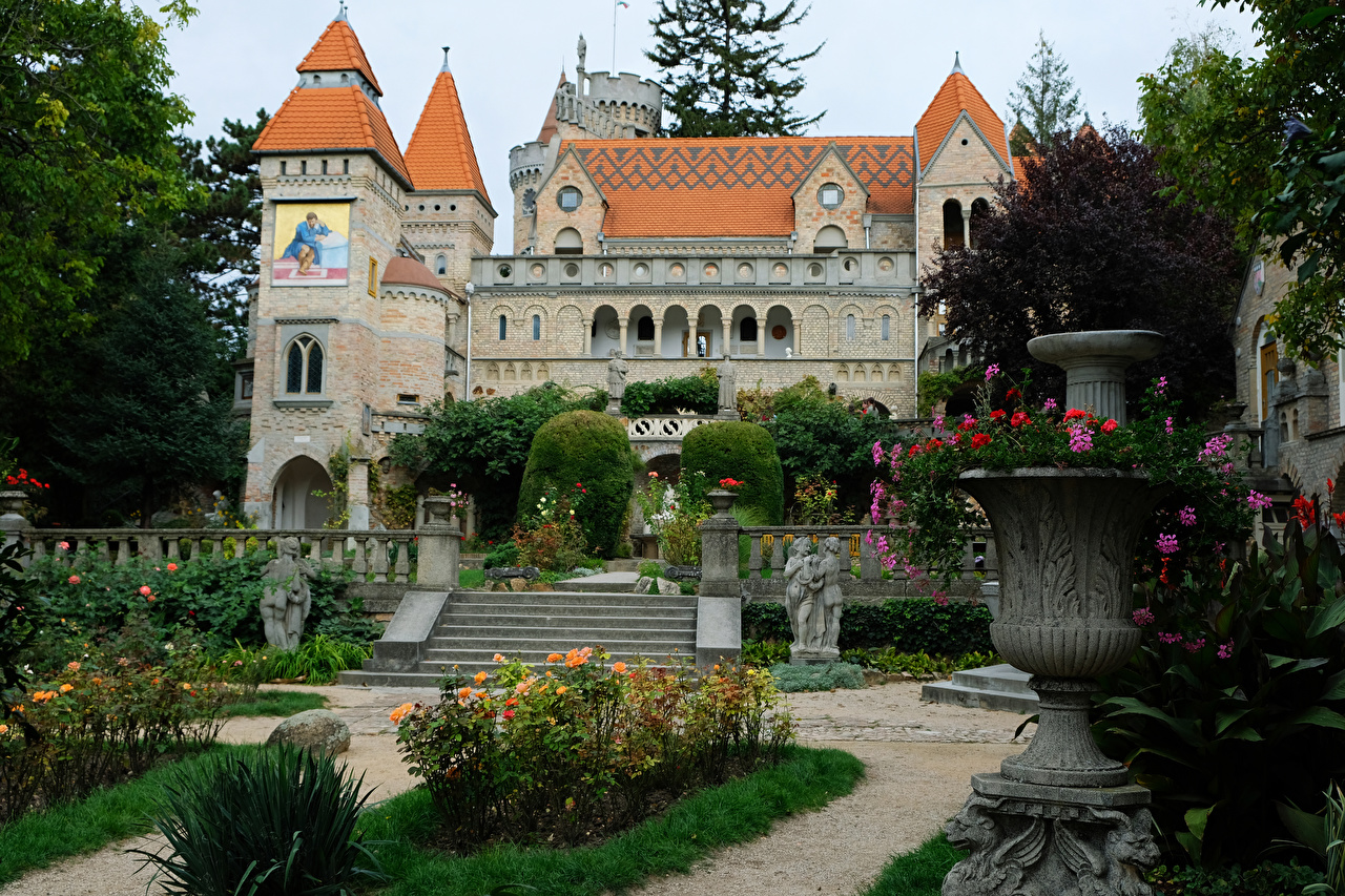 Фотография Венгрия Bory Castle Замки лестницы Парки город Скульптуры замок Лестница парк Города скульптура