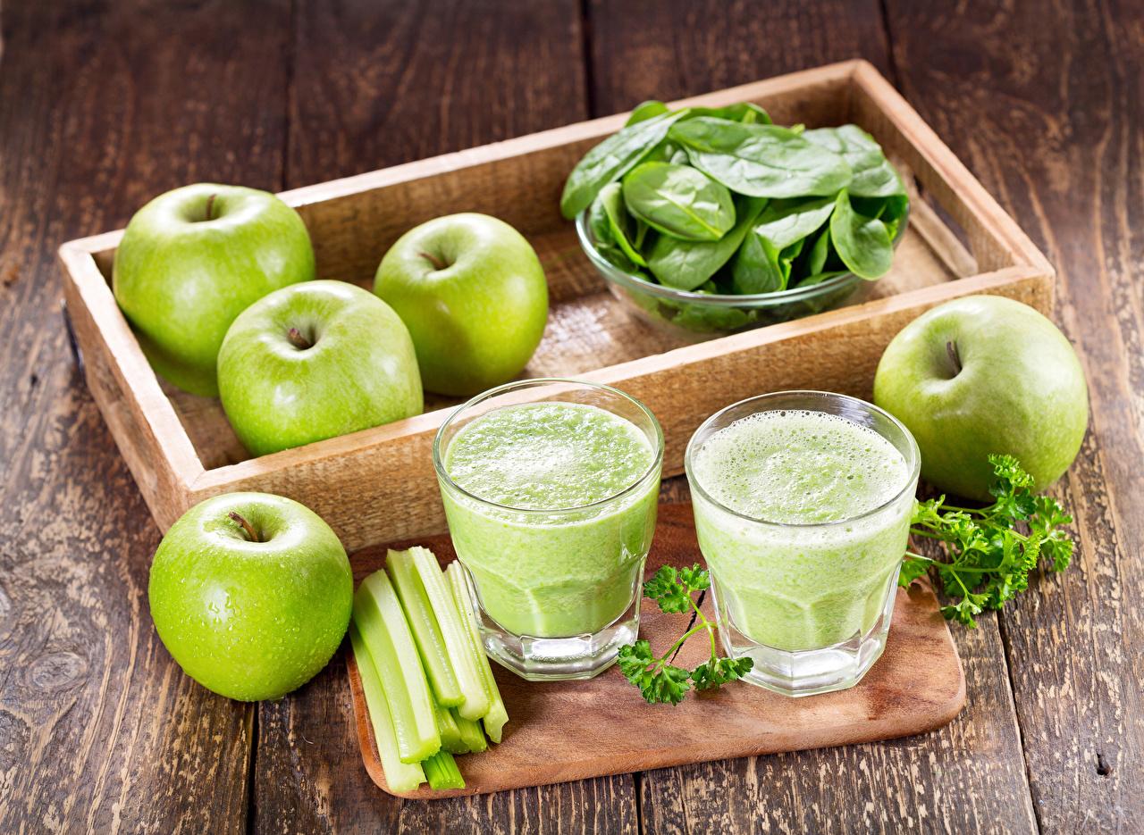 Картинка Смузи Стакан Яблоки Пища Овощи Доски Еда Продукты питания