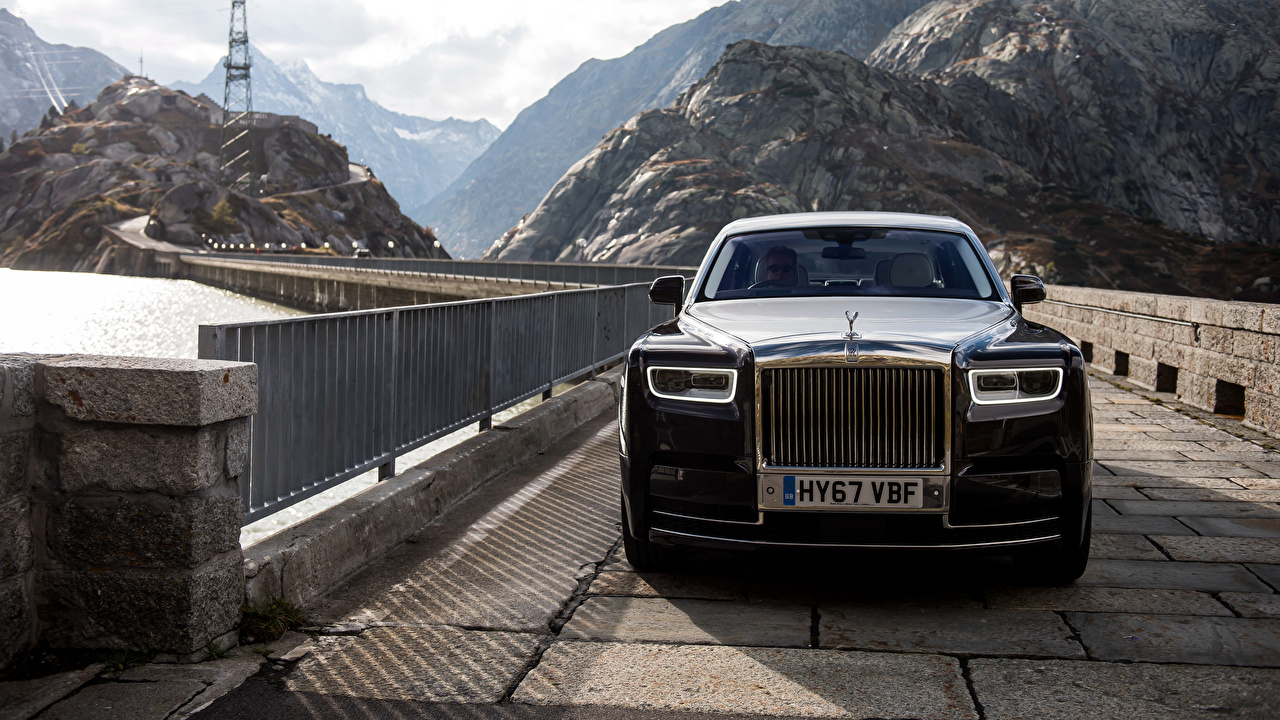 Картинка Rolls-Royce Phantom мост черных машины Спереди Металлик Роллс ройс Мосты Черный черная черные авто машина автомобиль Автомобили