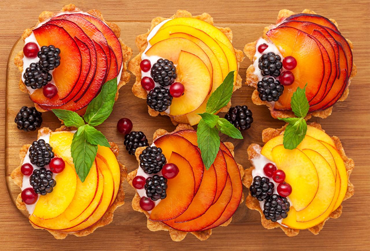 Фотографии Яблоки Ежевика Смородина Продукты питания Пирожное Сладости Еда Пища