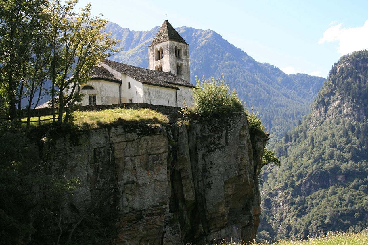 Фотографии Церковь Швейцария Ticino Burgdorf Утес гора Города Горы скалы Скала скале город