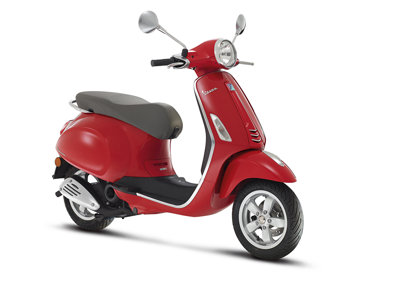 Фотографии Мотороллер Vespa Primavera 50 2T, 2013–17 Красный мотоцикл белым фоном Скутер красная красные красных Мотоциклы Белый фон белом фоне