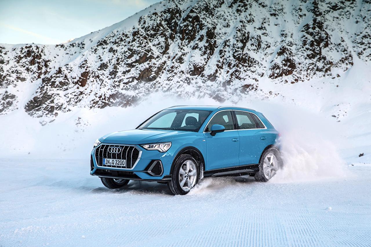 Фотографии Ауди 2018 Q3 quattro S line Worldwide голубая снеге авто Металлик Audi голубых голубые Голубой Снег снегу снега машина машины автомобиль Автомобили