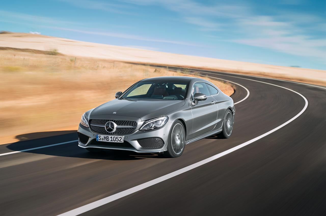 Фото Мерседес бенц 2015 Coupe C AMG C205 серые Дороги Движение Автомобили Mercedes-Benz серая Серый едет едущий едущая скорость авто машины машина автомобиль