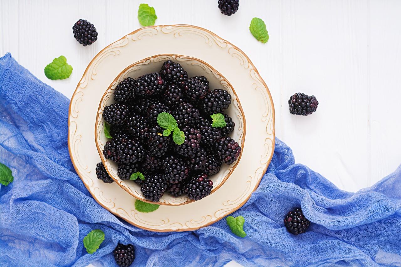 Картинка Ежевика Тарелка Продукты питания Еда Пища тарелке