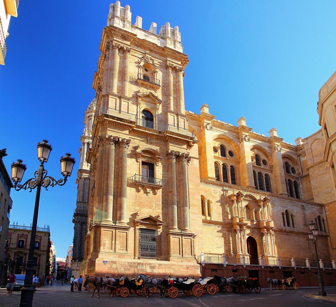 Картинка Испания Málaga cathedral, Andalusia Карета улиц храм Уличные фонари Города кареты каретой улице Улица Храмы город