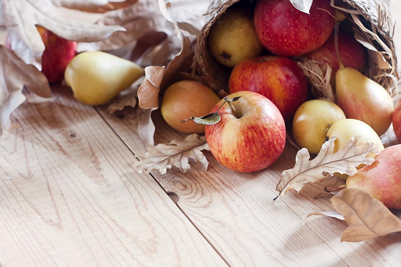 Картинки Листья Груши Яблоки Продукты питания лист Листва Еда Пища