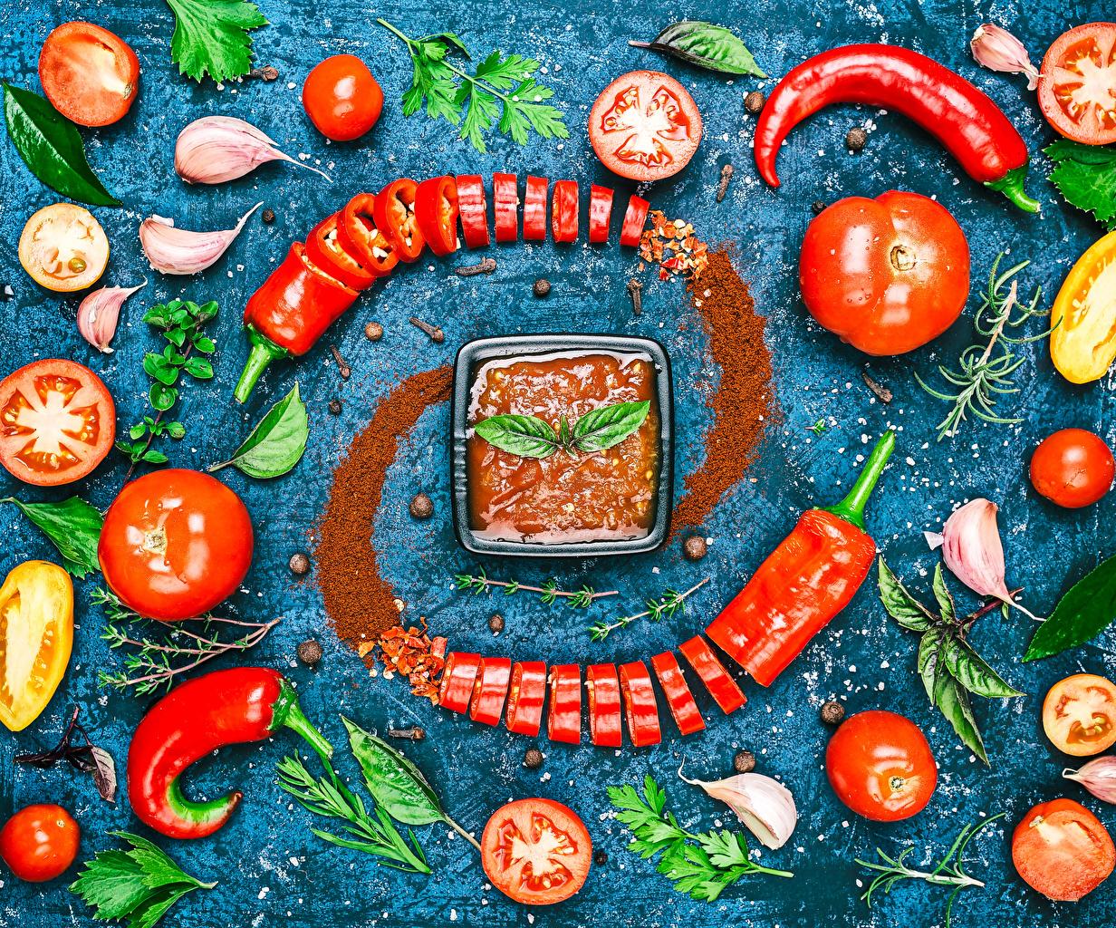Фотография Помидоры Острый перец чили Кетчуп Чеснок Пища Овощи Томаты кетчупа кетчупом Еда Продукты питания