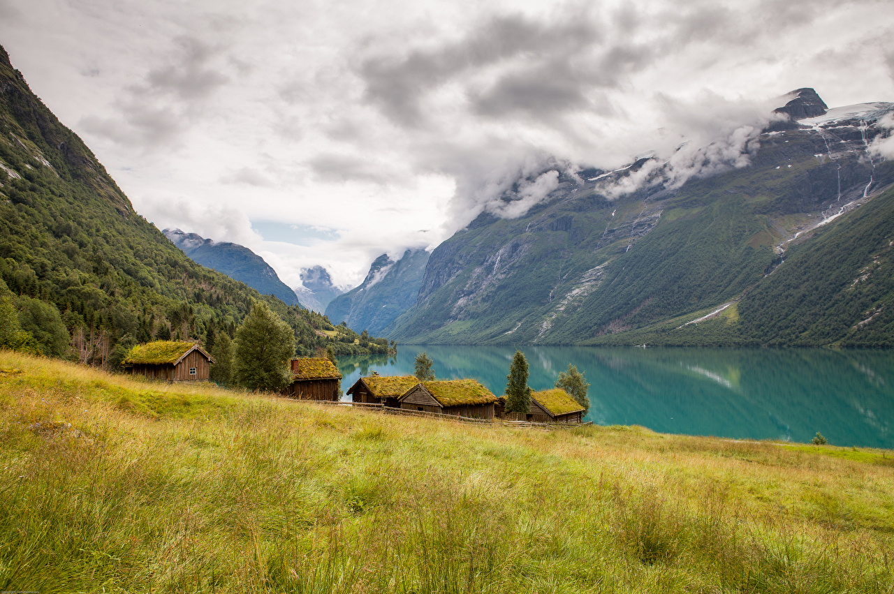Картинка Норвегия Lovatnet Lake гора Природа Озеро облачно Горы облако Облака