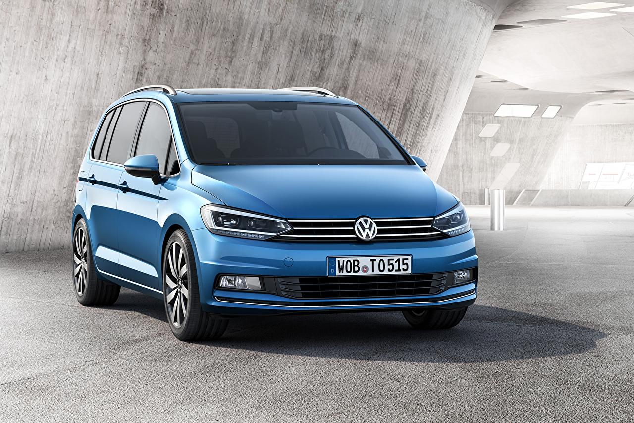 Фотографии Фольксваген 2015 Touran голубых авто Volkswagen голубая голубые Голубой машина машины Автомобили автомобиль