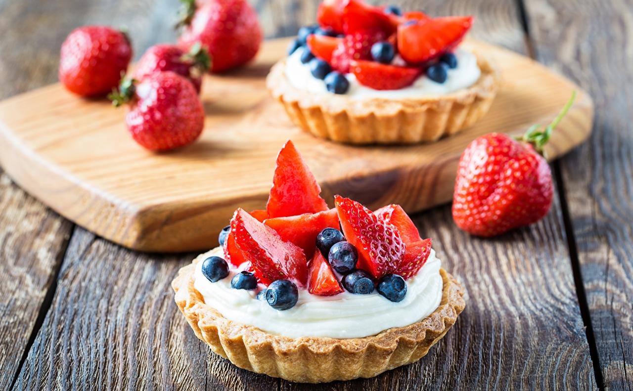 Картинки Десерт Черника Клубника Пища Пирожное Еда Продукты питания