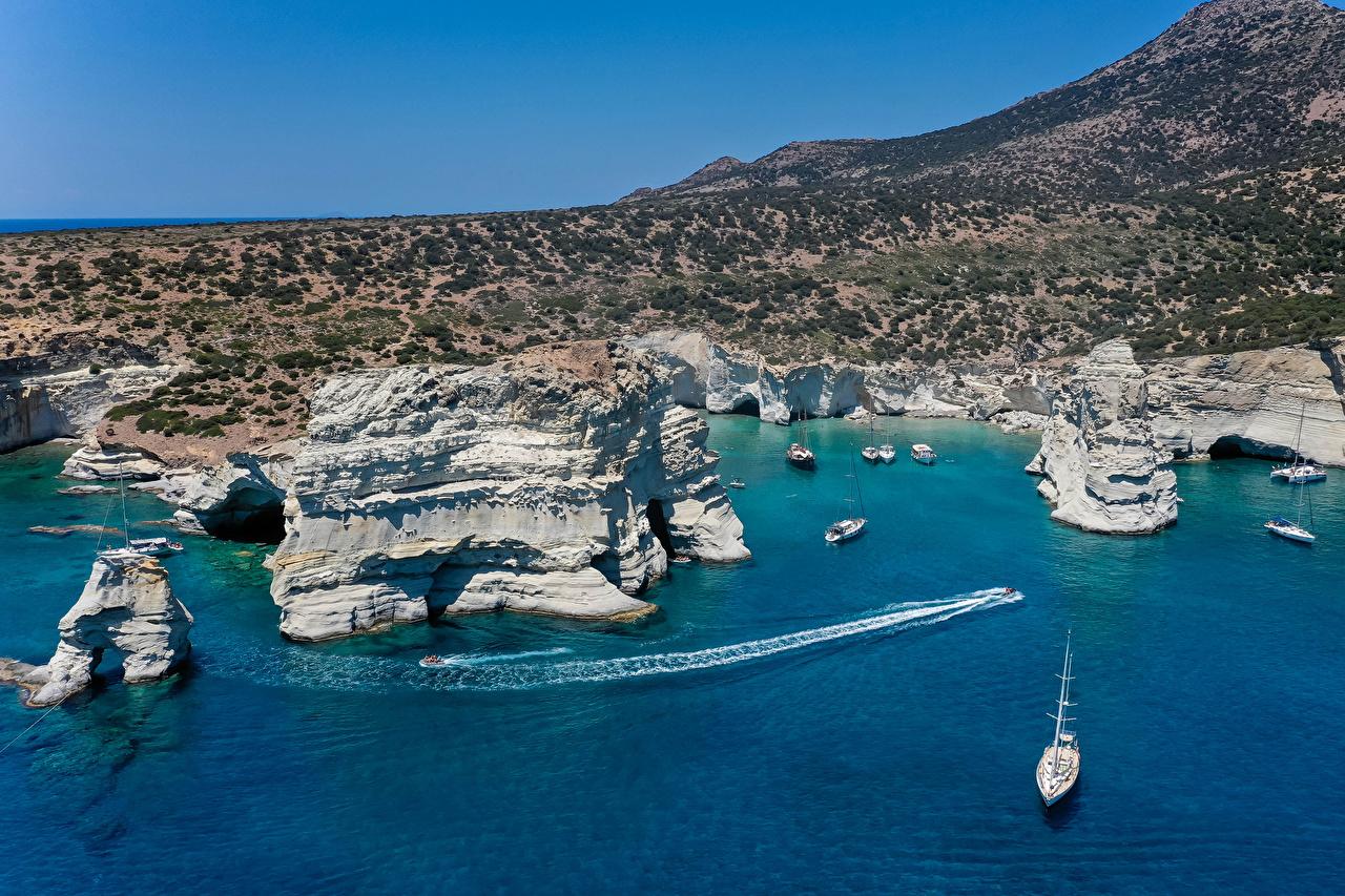 Картинка Греция Ksylokeratia Milos Скала Природа корабль берег бухты Утес скале скалы Корабли Бухта Побережье