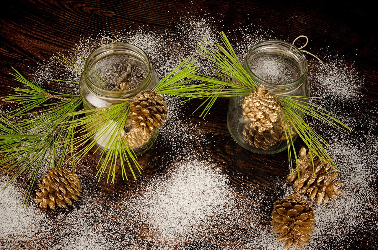 Картинки Природа Сахарная пудра Банка ветка шишка Доски банки банке Ветки ветвь Шишки на ветке