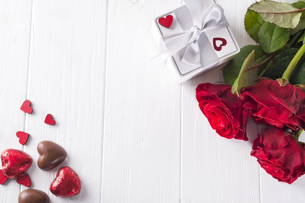 Фотографии День всех влюблённых сердца Розы Цветы Шаблон поздравительной открытки Доски День святого Валентина серце Сердце сердечко роза цветок
