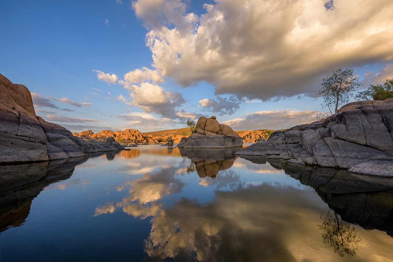 Фотографии США Watson Lake, Prescott, Arizona скалы Природа Озеро отражается облако штаты америка Утес скале Скала отражении Отражение Облака облачно