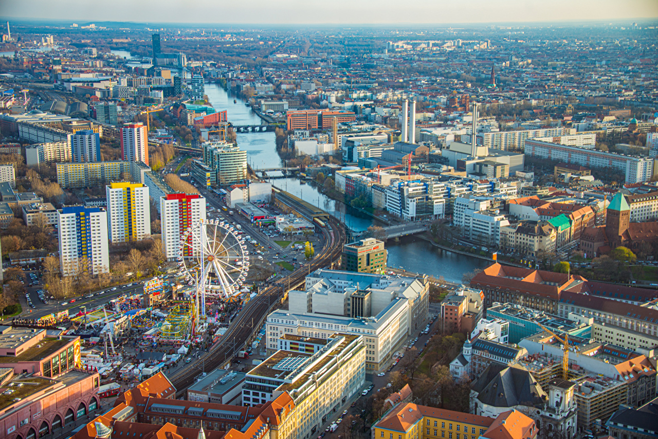 Обои для рабочего стола Берлин Германия Колесо обозрения Реки Сверху Здания Города колесом обозрения река речка Дома город
