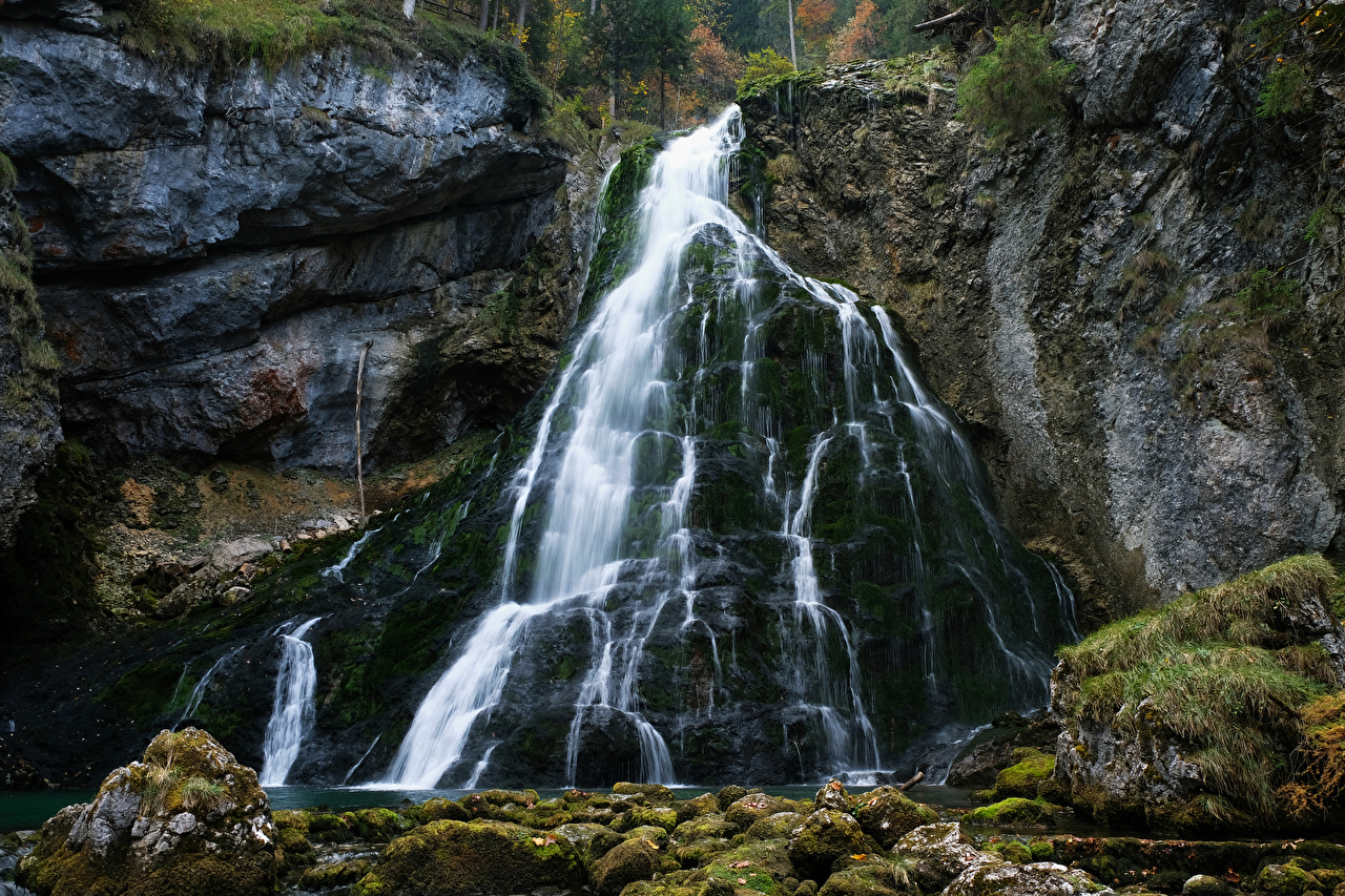 Фото Австрия Golling Waterfall скалы Природа Водопады мхом Утес Скала скале Мох мха