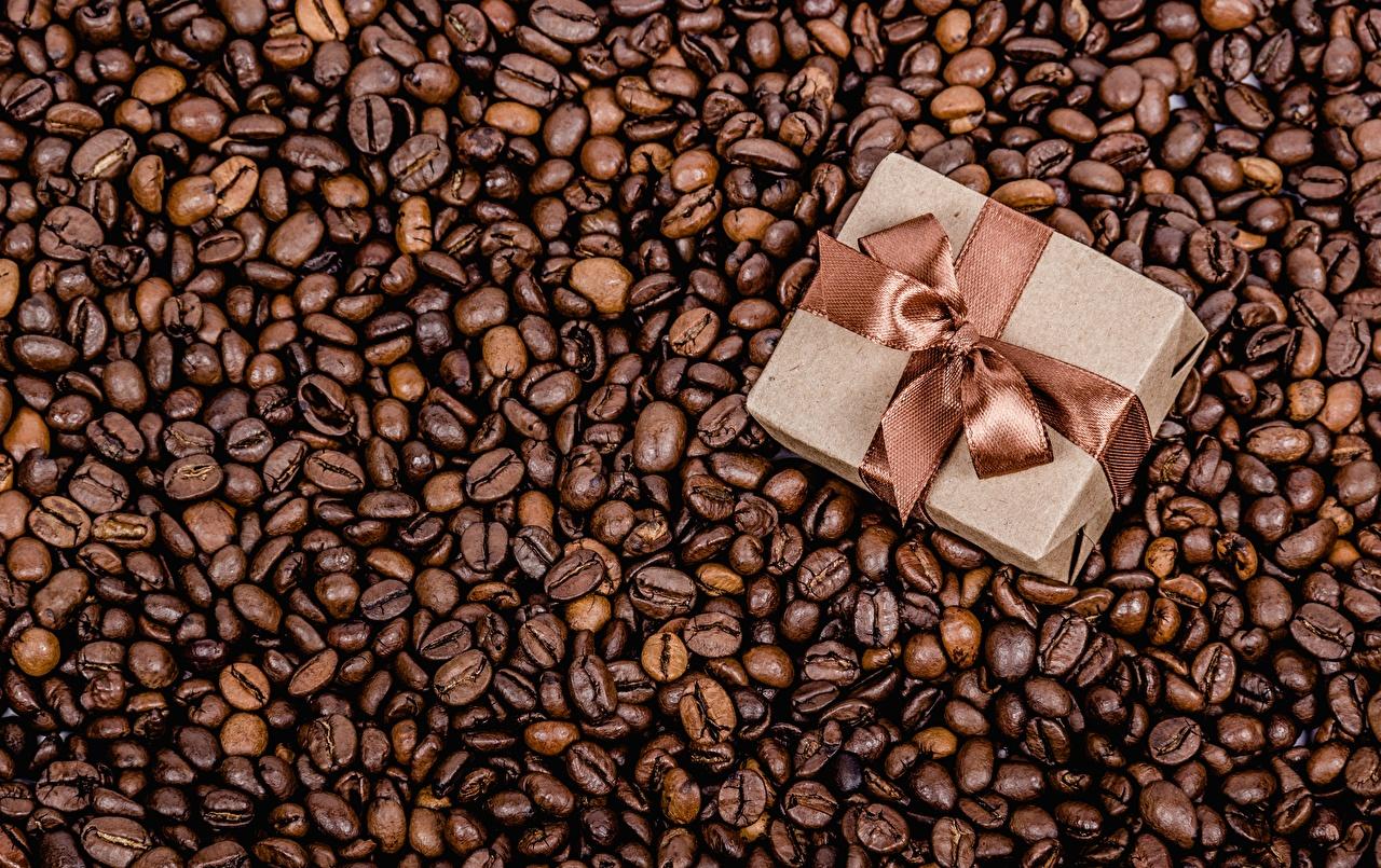 Фотография Кофе Зерна Подарки коробки Еда Бантик зерно подарок коробке Коробка подарков Пища бант бантики Продукты питания