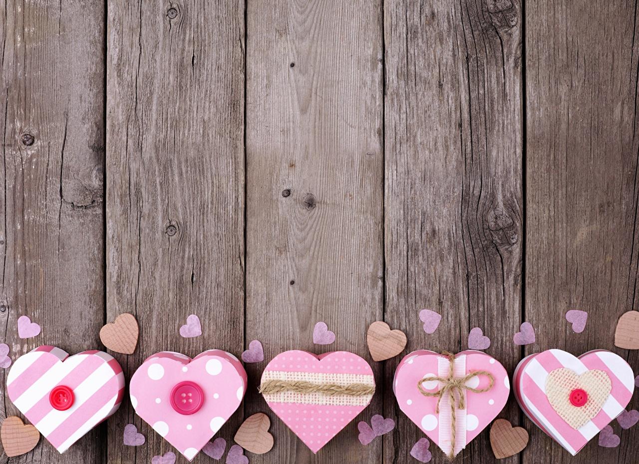 Обои День всех влюблённых сердечко Коробка Доски День святого Валентина серце сердца Сердце коробке коробки
