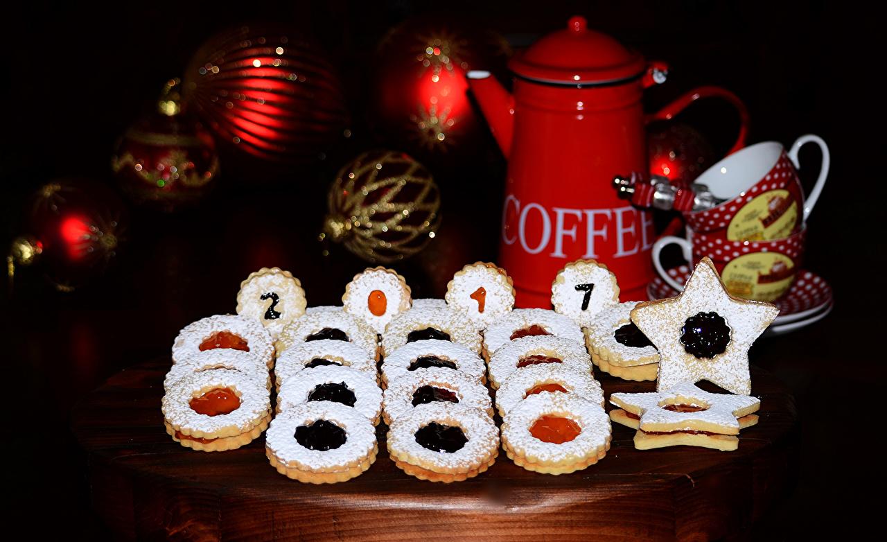 Картинка 2017 Новый год Чайник Пища Печенье Выпечка Рождество Еда Продукты питания