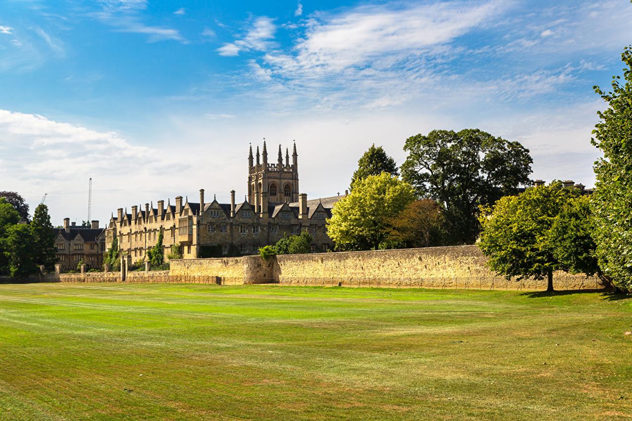Обои для рабочего стола Англия Merton College Oxford University Забор Газон Города ограда забора забором газоне город