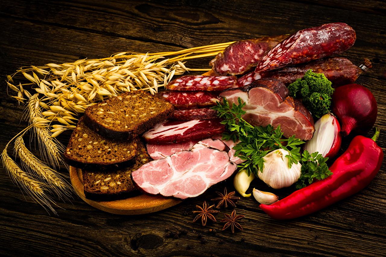 Обои для рабочего стола Колбаса Хлеб Колос Чеснок Ветчина Еда Перец Мясные продукты колосок колоски колосья Пища перец овощной Продукты питания