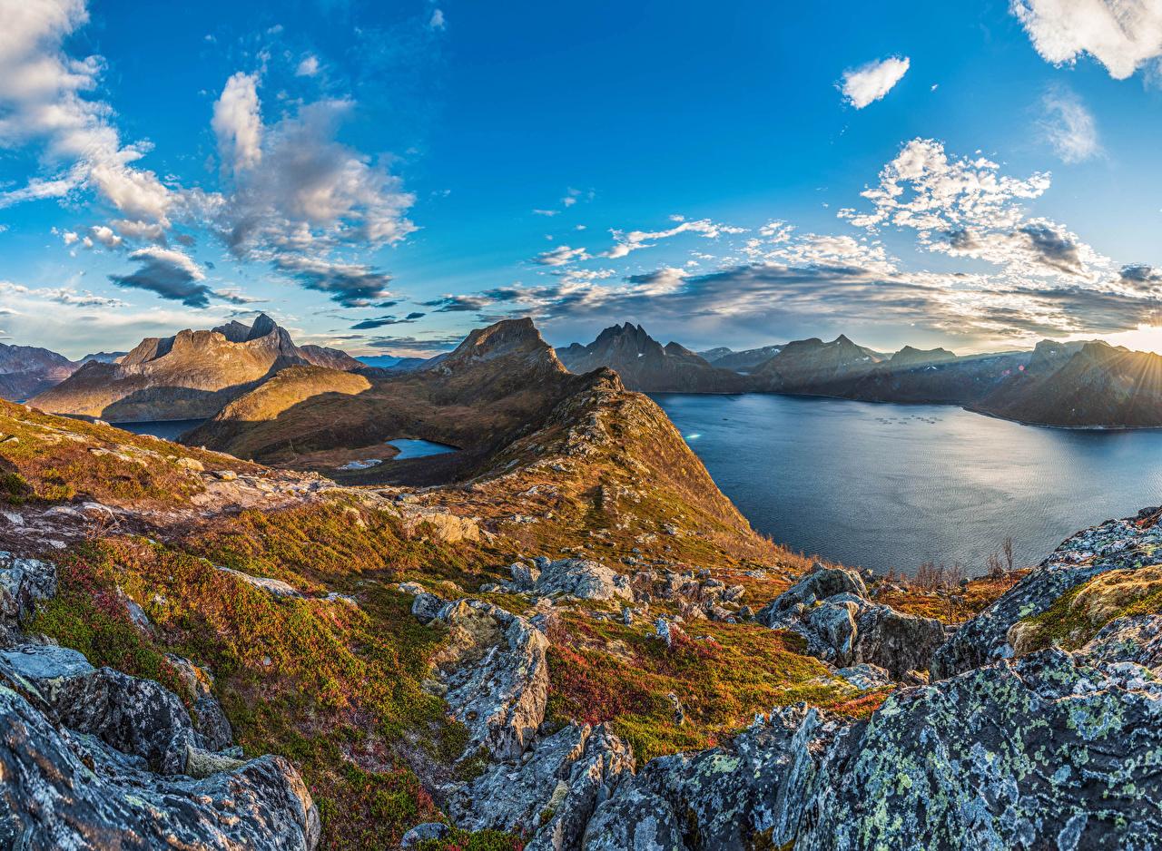Фотография Норвегия Senja Island Горы Природа Небо Озеро Облака