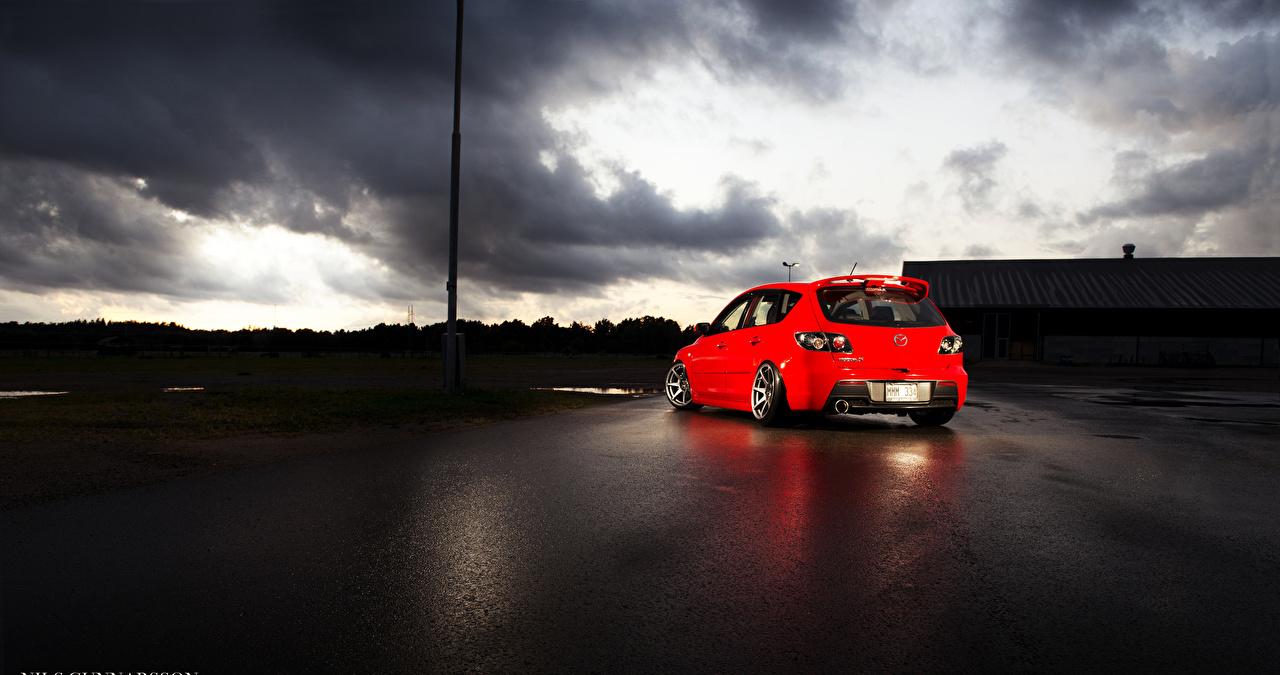 Фотография Мазда 3 Тучи красных Сзади Автомобили Mazda туч красная красные Красный авто машины машина вид сзади автомобиль