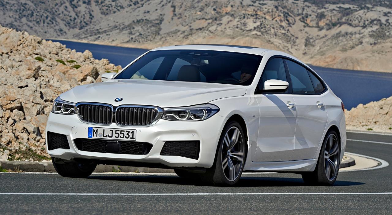 Картинки BMW Liftback, 640i, xDrive, Gran Turismo, M Sport, 2017 белая авто Асфальт БМВ Белый белые белых машины машина асфальта Автомобили автомобиль