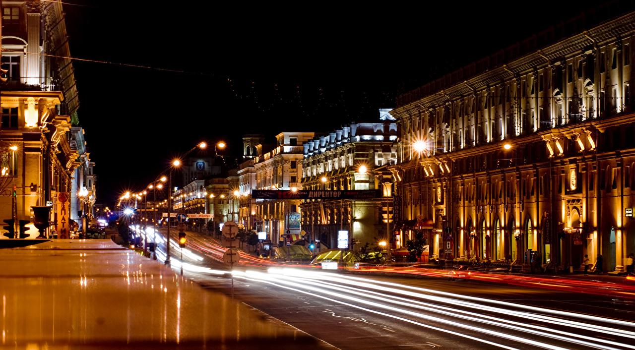 Фотография Беларусь Minsk Улица Дороги Движение Ночные Уличные фонари Дома Города едущий скорость Ночь Здания