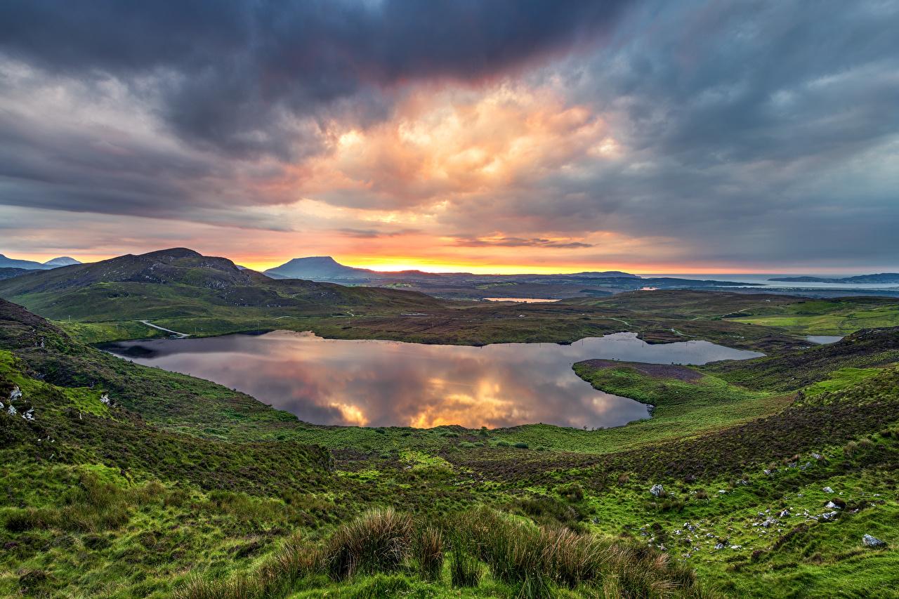 Фотография Ирландия Donegal гора Природа Озеро Рассветы и закаты облако Горы рассвет и закат Облака облачно