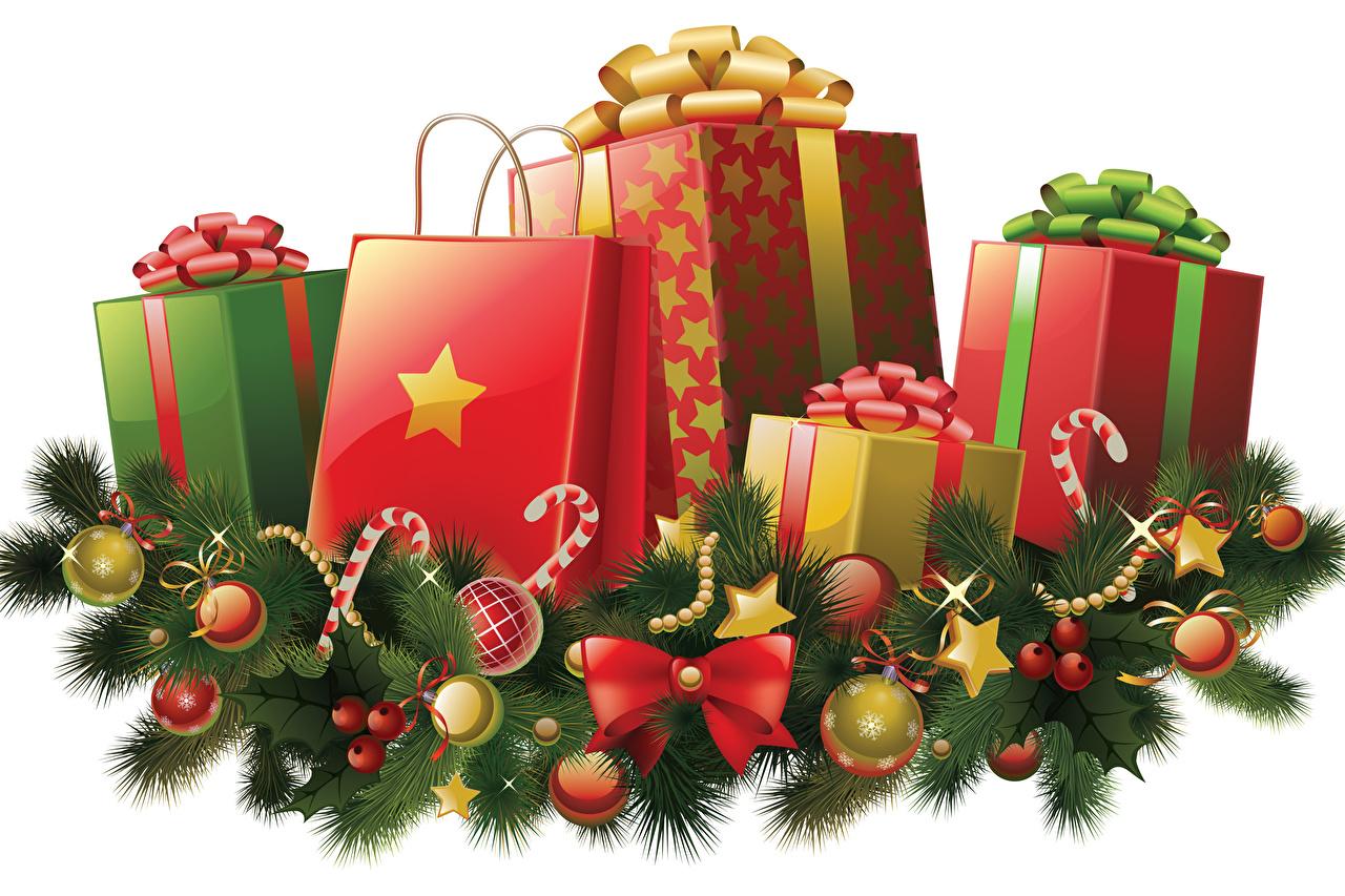 Фото Новый год Звездочки Подарки коробке Шар Бантик на ветке Рождество подарок коробки Коробка подарков бант ветвь ветка Ветки Шарики бантики