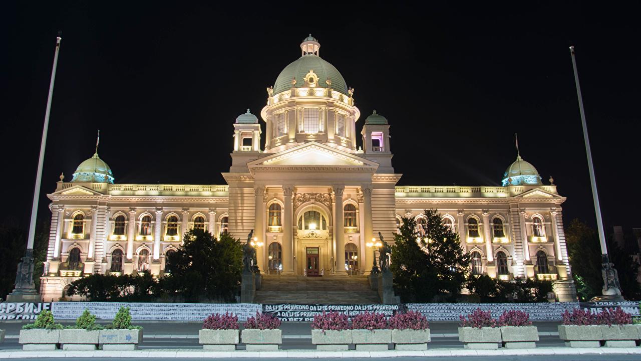Фотографии Сербия National Assembly Belgrade Ночь Уличные фонари Города Здания Ночные Дома