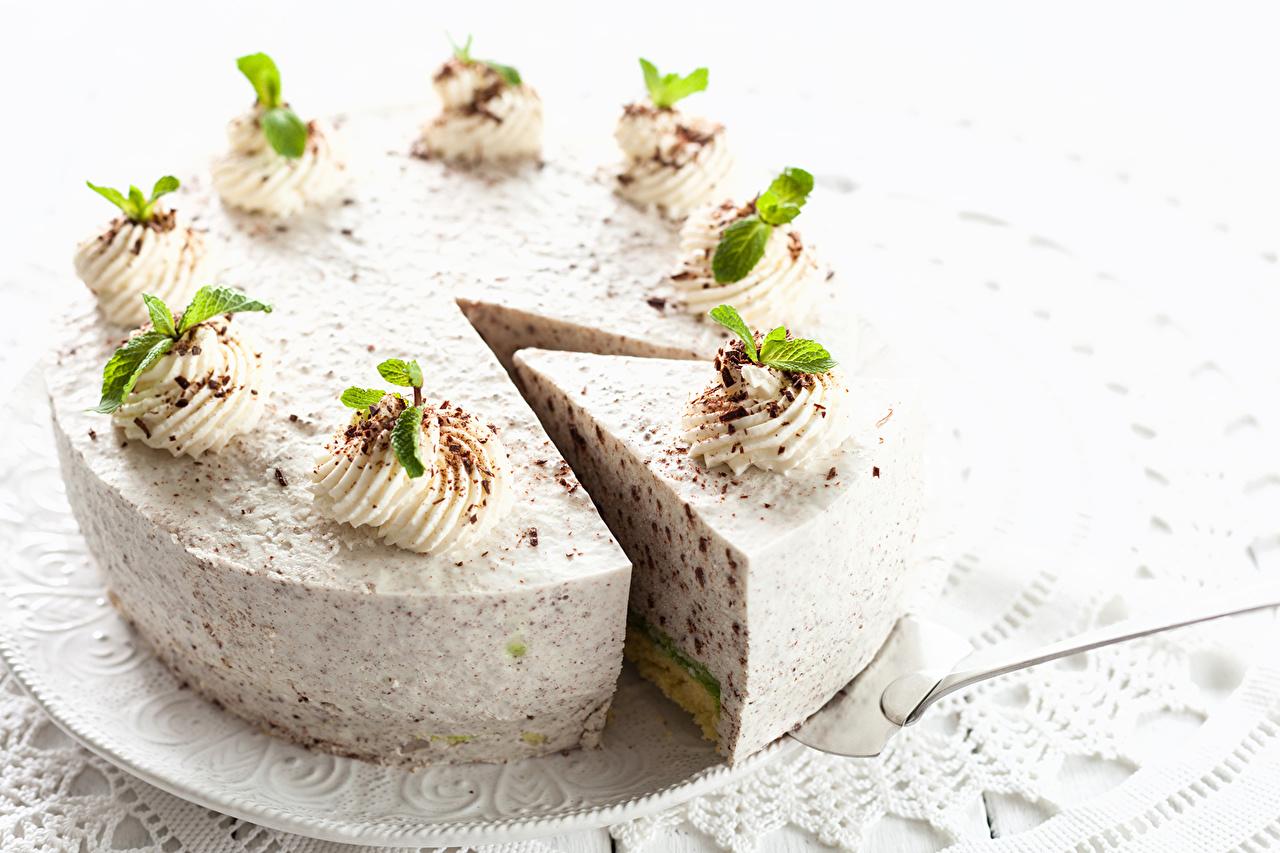 Фото Торты Продукты питания Выпечка Сладости Белый фон Еда Пища белом фоне сладкая еда белым фоном