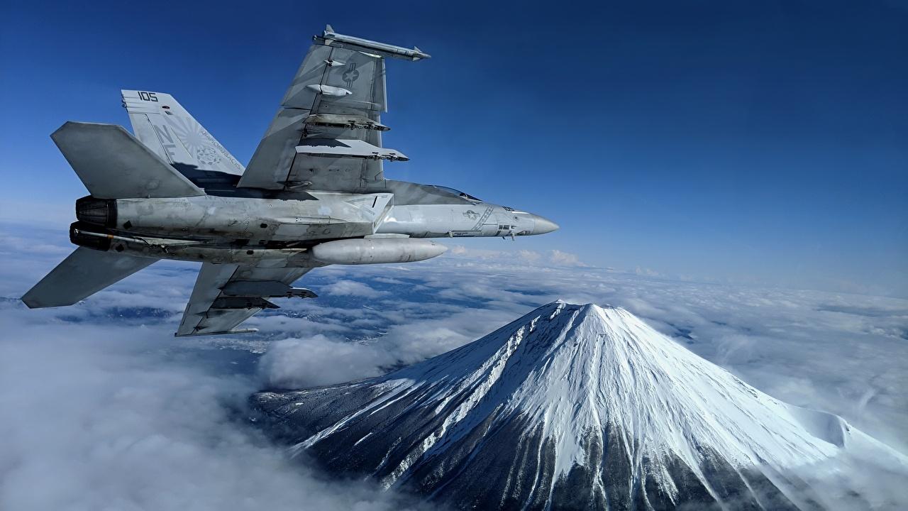 Картинка Истребители Самолеты Super Hornet, F/A-18F, U.S. 7th Fleet гора летит Авиация Горы летят Полет летящий