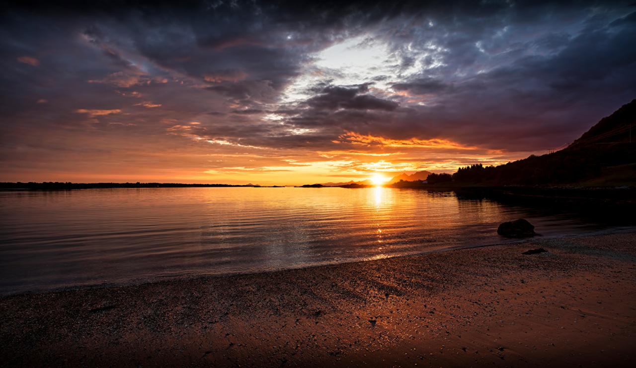 Картинки Лофотенские острова Норвегия Strønstad Природа рассвет и закат Побережье Рассветы и закаты берег