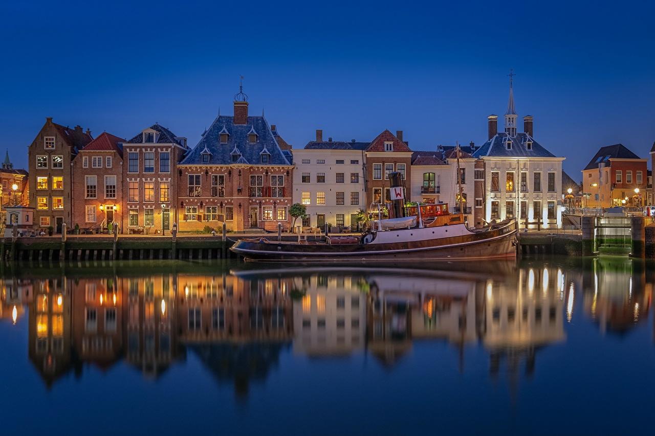 Фотографии голландия Maassluis Отражение Вечер Катера город Здания Нидерланды отражении отражается Дома Города