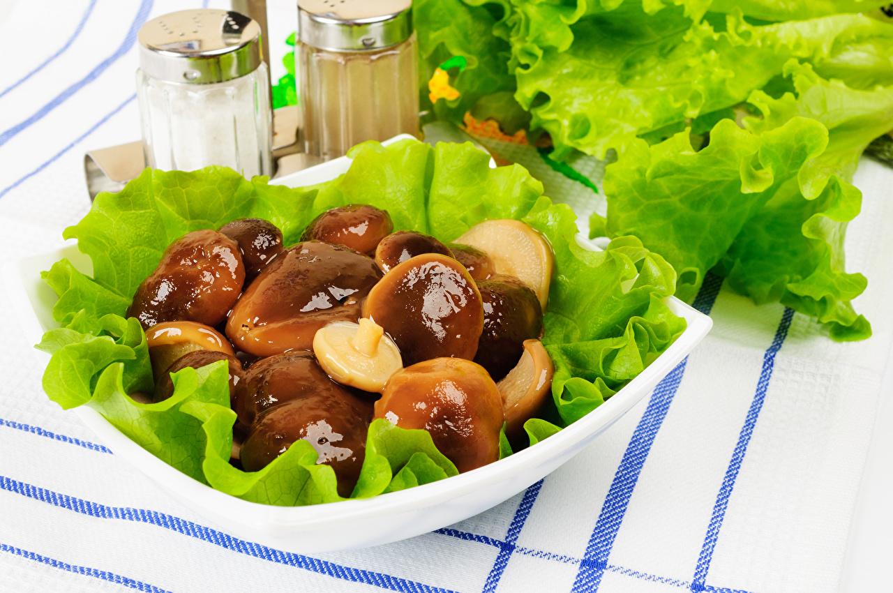 Картинка Грибы Овощи тарелке Продукты питания Еда Пища Тарелка