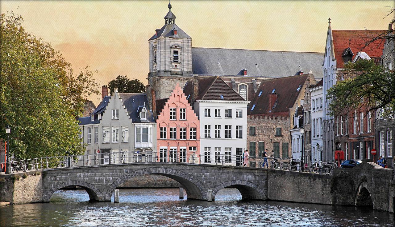 Фотографии Бельгия Langerei canals Bruges Мосты Водный канал Дома Города Здания
