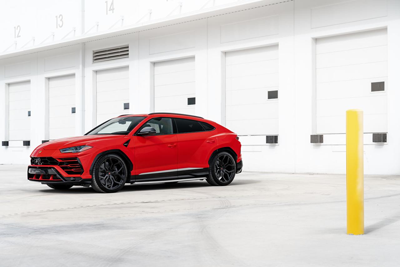 Фото Lamborghini CUV Urus, 2019 красная авто Сбоку Ламборгини Кроссовер Красный красные красных машина машины Автомобили автомобиль