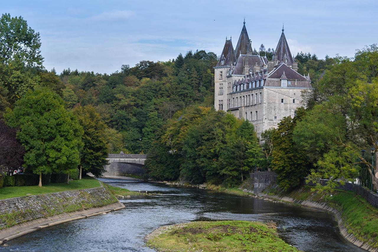Обои для рабочего стола Бельгия Castle Durbuy замок река Города Замки Реки речка город