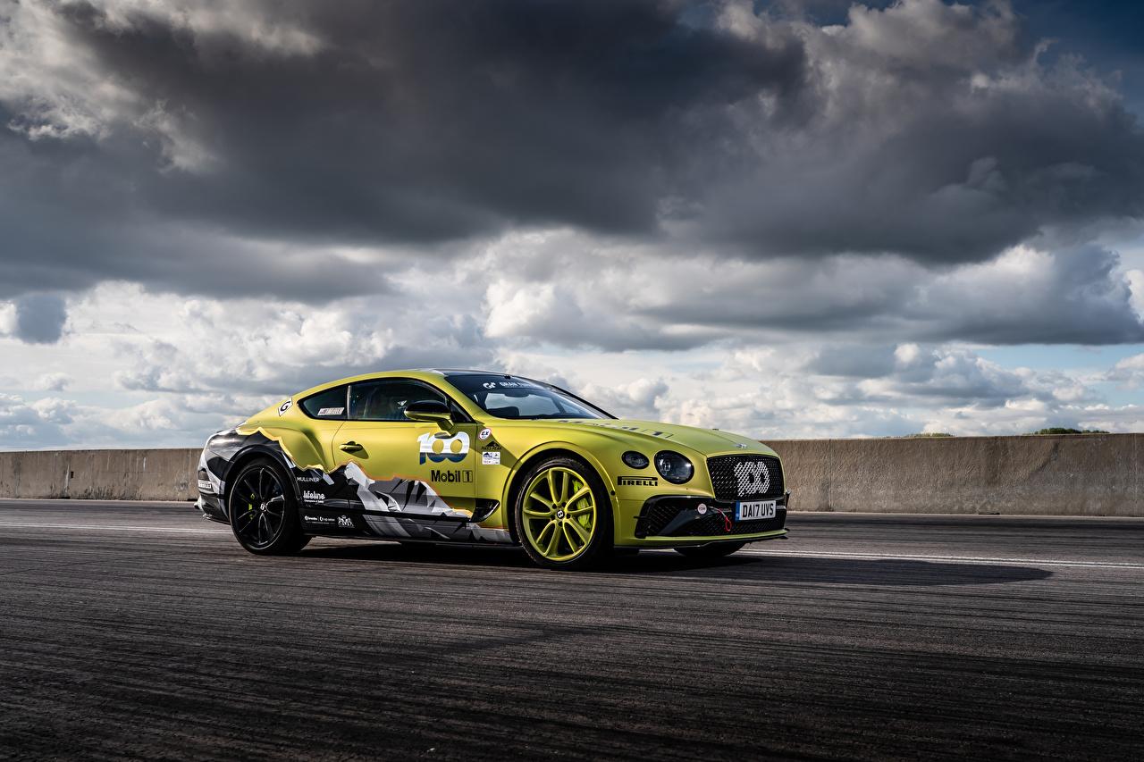 Обои для рабочего стола Бентли Continental GT Pikes Peak, 2019 Сбоку машины Облака Bentley авто машина Автомобили автомобиль облако облачно