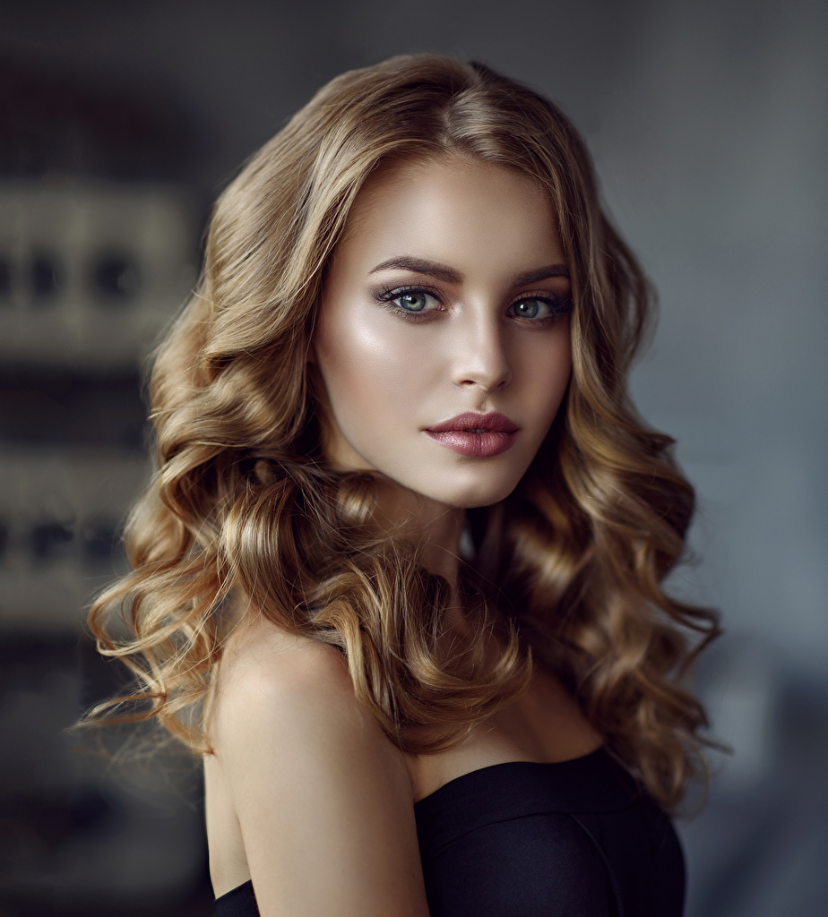 Фотография Русые Красивые Лицо Волосы Девушки Взгляд смотрит