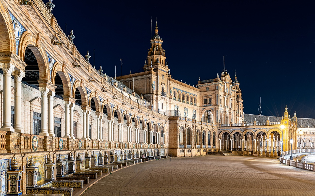 Обои для рабочего стола Испания Plaza de España, Seville ночью Города Ночь в ночи Ночные город