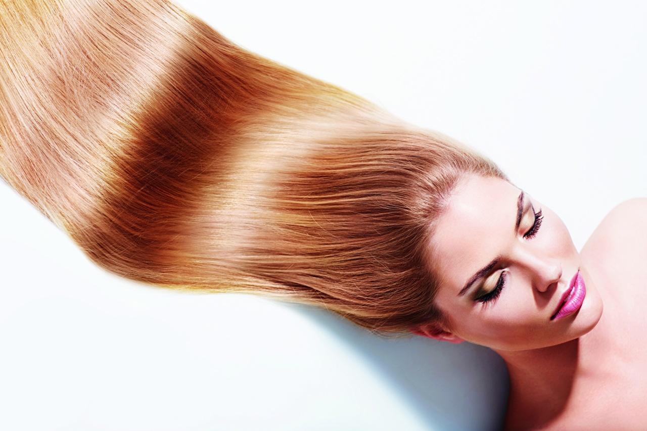 Фотография Модель Макияж волос молодые женщины белом фоне фотомодель мейкап косметика на лице Волосы Девушки девушка молодая женщина Белый фон белым фоном