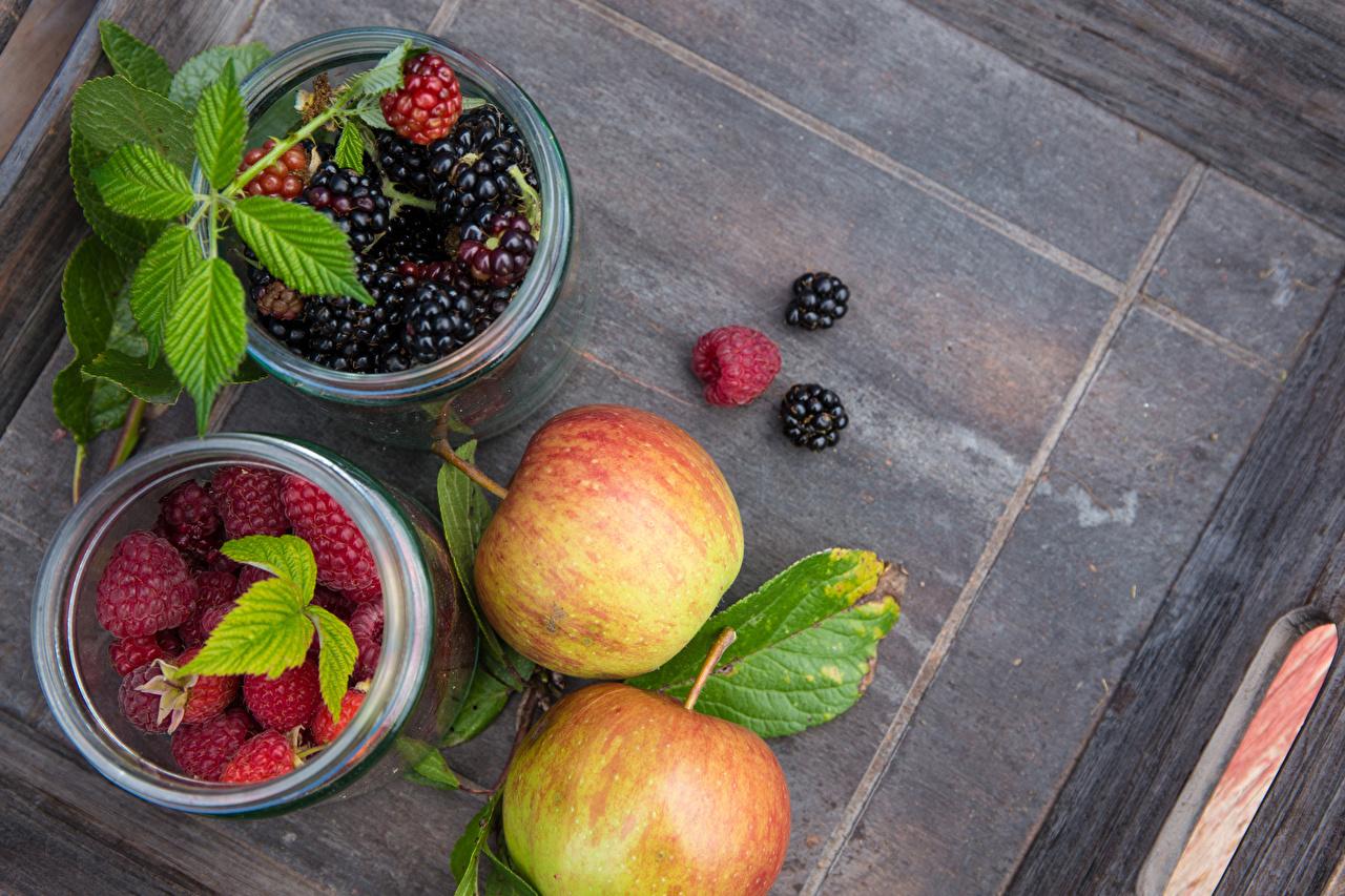 Картинки Яблоки Малина Ежевика Ягоды Продукты питания Еда Пища