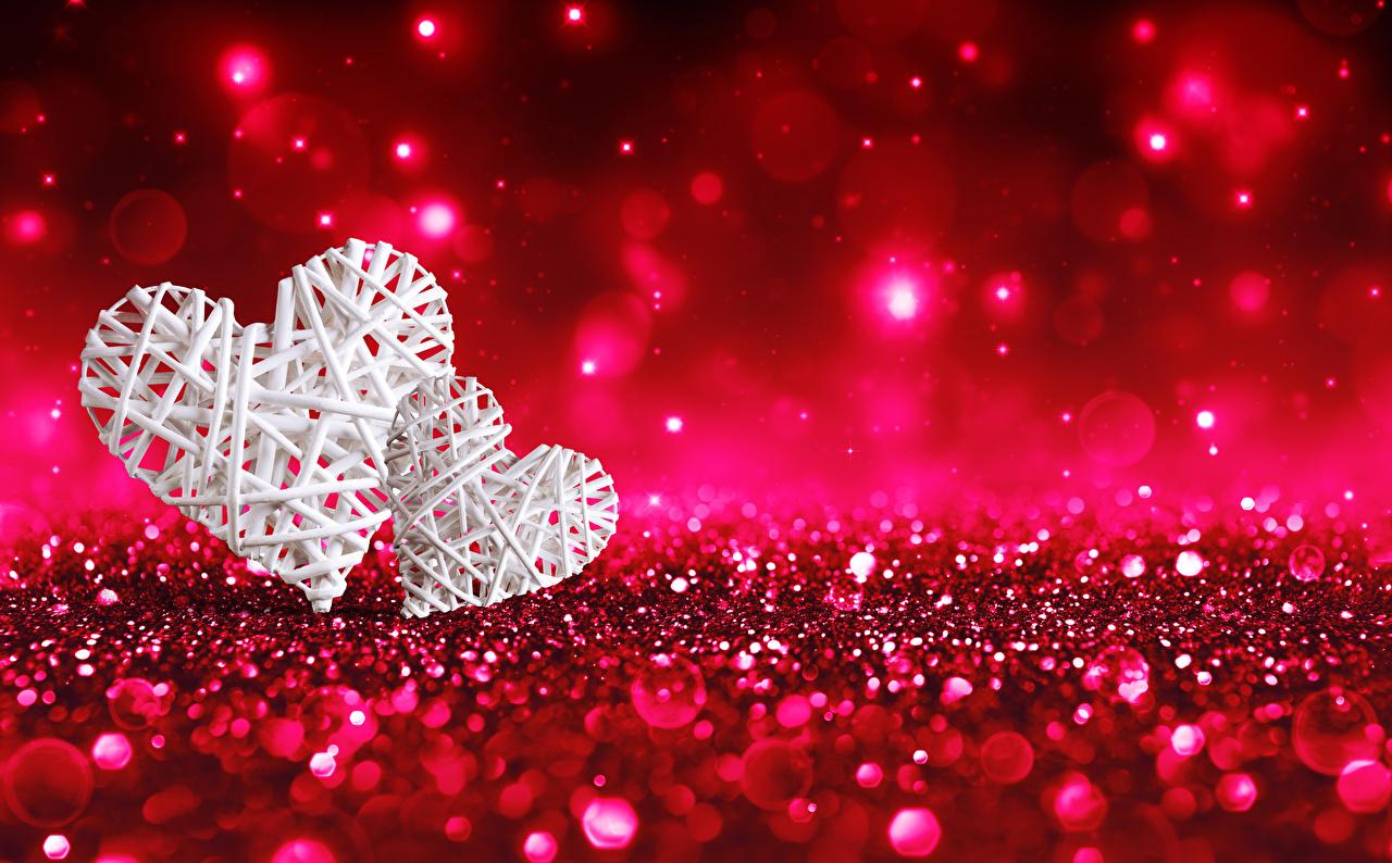 Картинки День всех влюблённых Сердце два Красный фон День святого Валентина серце сердца сердечко 2 две Двое вдвоем красном фоне