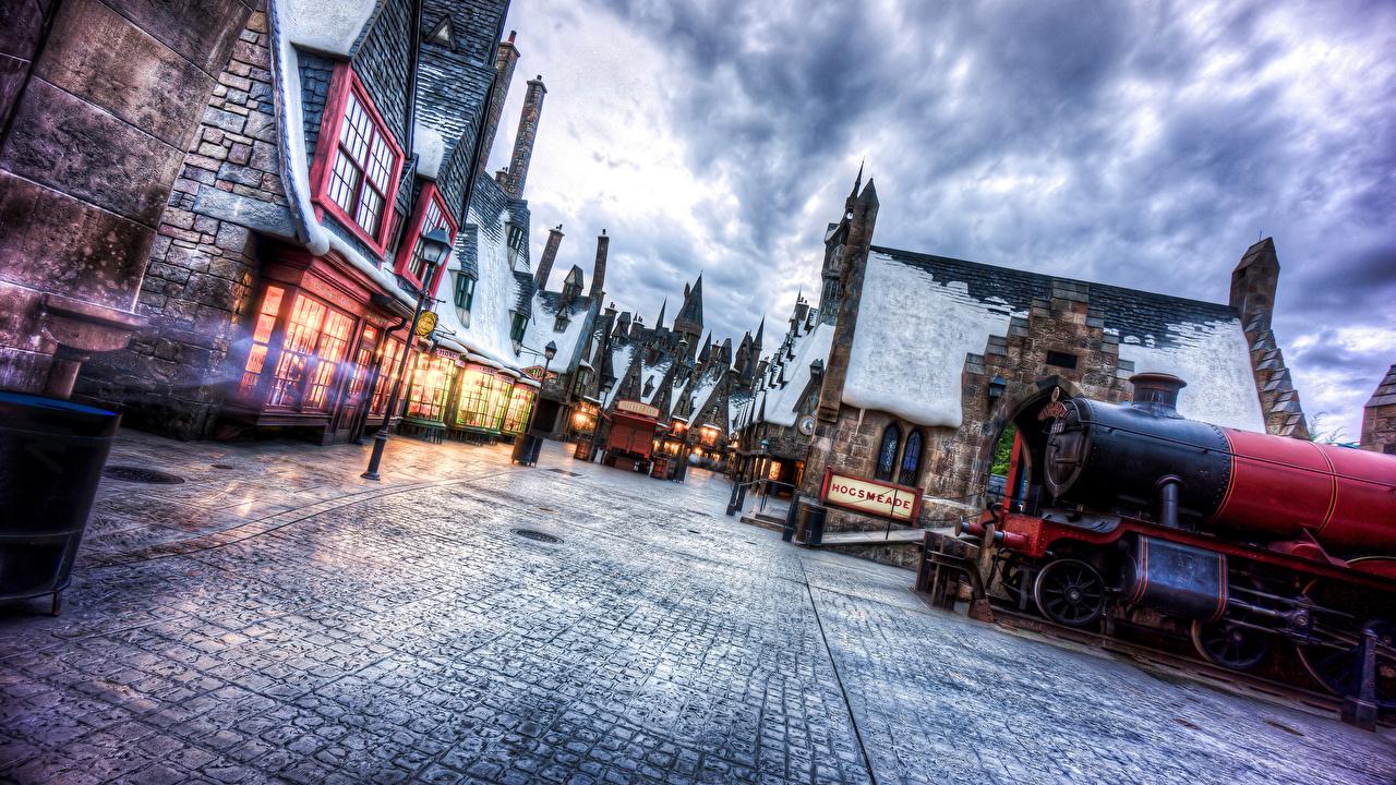 Фото Гарри Поттер Флорида universal studios, Wizarding world of harry potter зимние Небо Улица Фильмы город Здания Зима кино улиц улице Дома Города